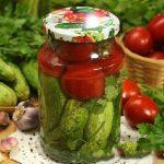 Миниатюра к статье Как приготовить ассорти из огурцов и помидоров на зиму: ТОП-7 рецептов с фото